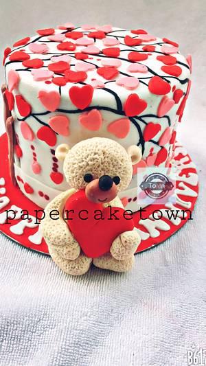 wedding cake with love hearts - Cake by sheenam gupta