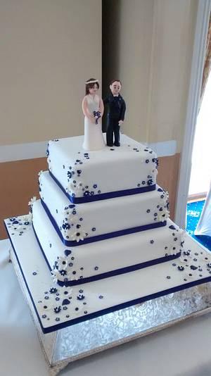 Deep purple wedding cake - Cake by Catherine