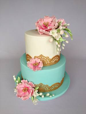 Turquoise  gold and flowers  - Cake by Layla A