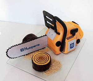 chainsaw - Cake by Lucie Demitra