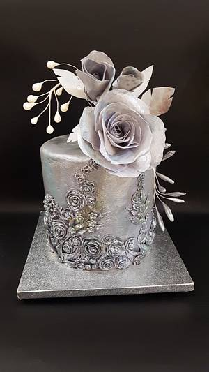 Metalica cake with wafer paper rose - Cake by iratorte