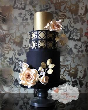 Dramatic Black and Gold - Cake by Jen La - JENLA Cake