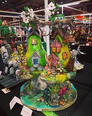 A 'Pear' of Houses - Cake by TafaCakes