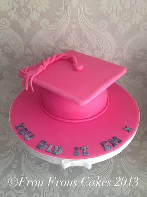 A very pink Mortarboard Hat Cake - Cake by Frou Frous Cakes