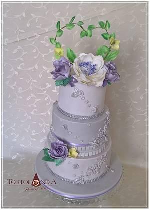 Elegant birthday cake - Cake by Tortolandia