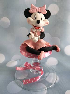 She likes Minnie Mouse and butterflies..... - Cake by Judy