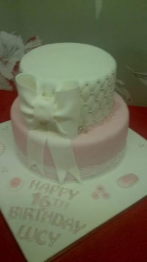 Vintage sweet 16th  - Cake by cupcakes of salisbury