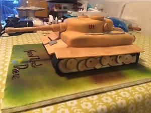 Tank Cake - Cake by Mayasbakingboutique