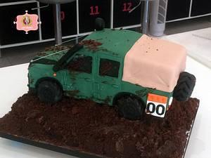 Defender Jeep Cake - Cake by ladygourmet