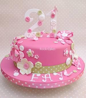Pink n plaid - Cake by RockCakes