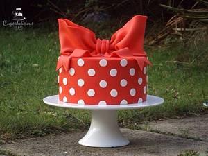 Cath kidston inspired polkas! - Cake by Cupcakelicious