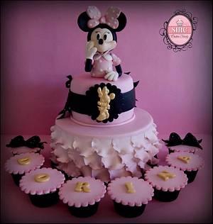 Minnie - Cake by Cristina Sbuelz