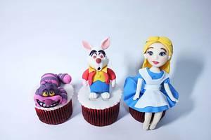 alice in wonderland cupcake - Cake by fantasticake by mihyun