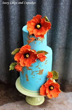 Poppies in bloom - Cake by Sassy Cakes and Cupcakes (Anna)
