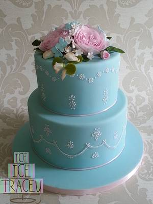 Flowers and Lace - Cake by Ice, Ice, Tracey