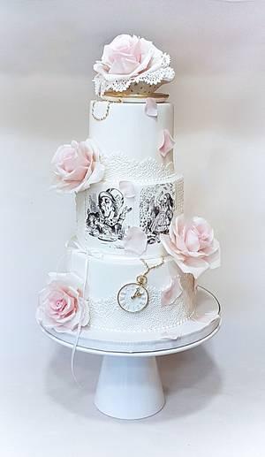Alice wonderland - Cake by Cake Loves Vanilla