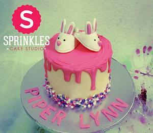 Baby shower cake - Cake by Sprinkles Cake Studio