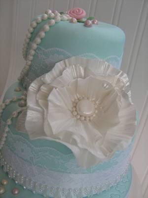Pretty Vintage Cake - Cake by SweetCakeaholic1