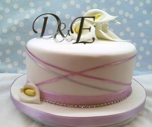 Calla Lily Wedding Cake - Cake by Roberta