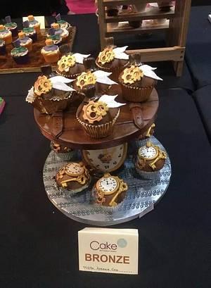 Steampunk cupcakes - Cake by JojosCupcakeMadness