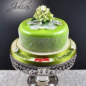 70th Birthday - Cake by Premierbakes (Julia)