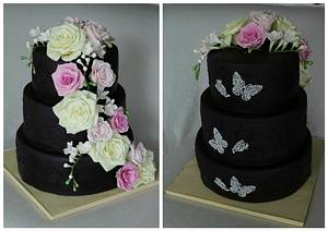 Black  cake with roses - Cake by Anka