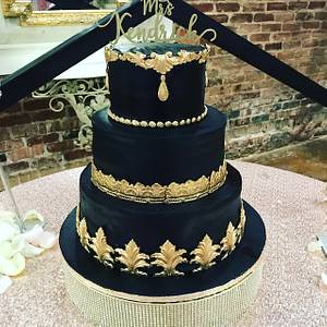 Black & Gold Beauty - Cake by It Takes The Cake