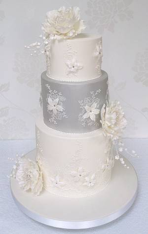 Silver and white wedding Cake - Cake by BellissimoCakes