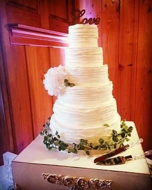 Ruffle Wedding Cake - Cake by Bethann Dubey