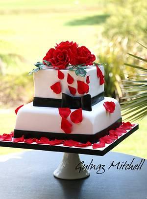 Simple wedding cake  - Cake by Gulnaz Mitchell