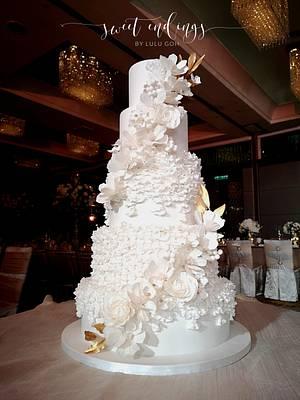 White Romance - Cake by Lulu Goh