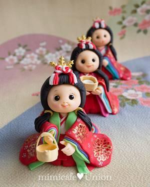 "Japanese ""Hina"" Doll Fondant Toppers - Cake by Sachiko Windbiel"