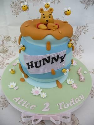 Winnie the Pooh cake  - Cake by Deborah