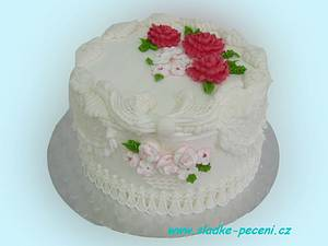 Royal icing cake with piped flowers and trellis work - Cake by Zdenka Michnova