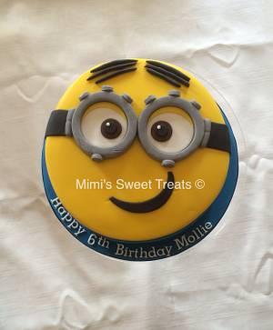 Minion cake & Cupcakes - Cake by Mimi's Sweet Treats