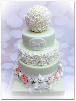 Sugar Lillies and Roses on a Vintage Green cake - Cake by Cakexstacy