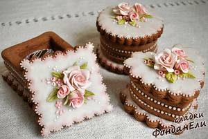 A candy biscuit box - Cake by FondanEli