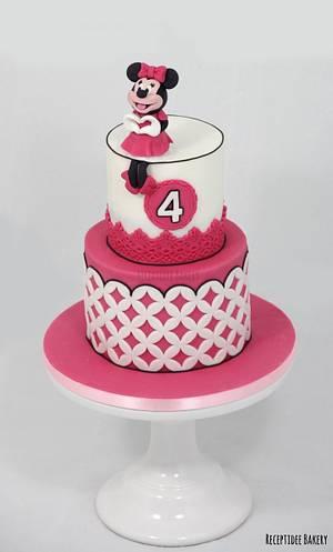 Minnie Mouse  - Cake by Sandra - Receptidee Bakery