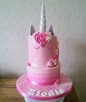 Pink Ombre Unicorn 🦄 - Cake by DayDreams UK