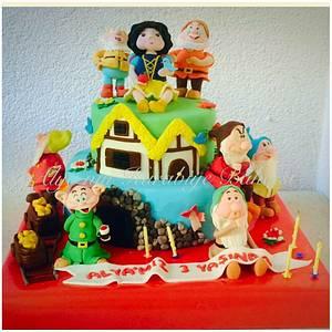 Snow white and seven dwarfs cake ☺️Hand made 😉 - Cake by Rezzan Arslan/ Alya'nin Kurabiye Bahcesi