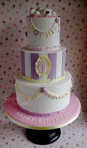 1st birthday cake - Cake by CupcakesbyLouise