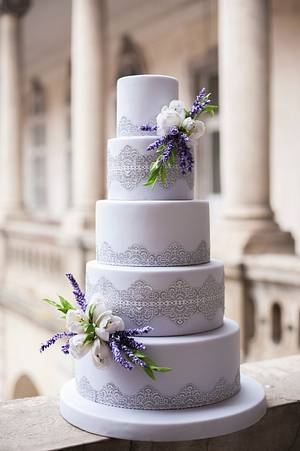 Wedding cake with lace , lavender and tulips - Cake by Cofetaria Dana