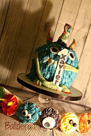 Little Monsters - Cake by Ballderdash & Bunting