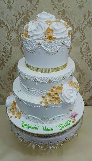 Romance in white  - Cake by Michelle's Sweet Temptation