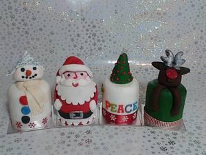 Christmas mini cakes - Cake by Karen's Kakery