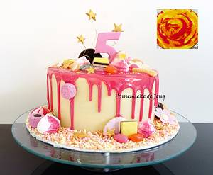 Pink & White Candyland Drip cake - Cake by Miky1983