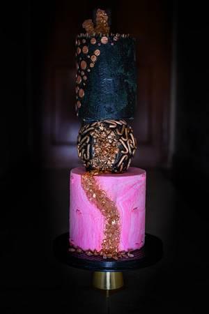 Cakerbuddies-Metallics- Shimmering black  - Cake by thecakedecor