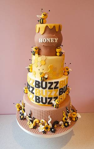 A Bee's Life - Cake by Lisa-cnm