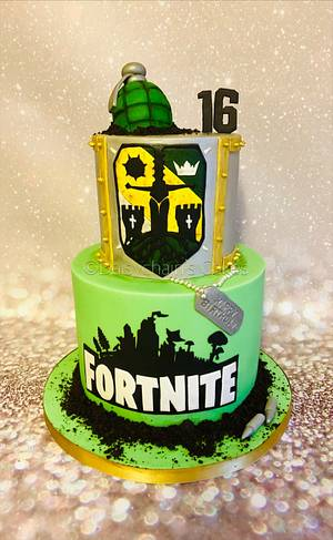 Fortnite/For Honor cake - Cake by Daisychain's Cakes