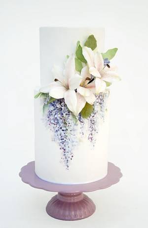 Lirios y glicinas - Cake by Natalia Casaballe